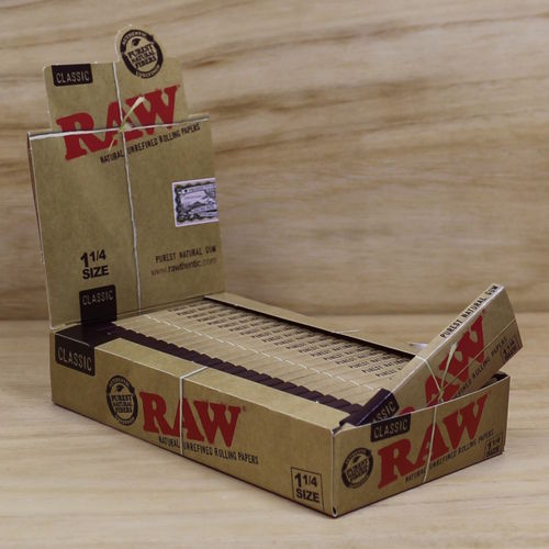 RAW Classic Slim 1 1/4 Size Papers